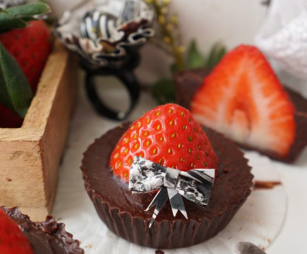 Chocolate-strawberry-cups